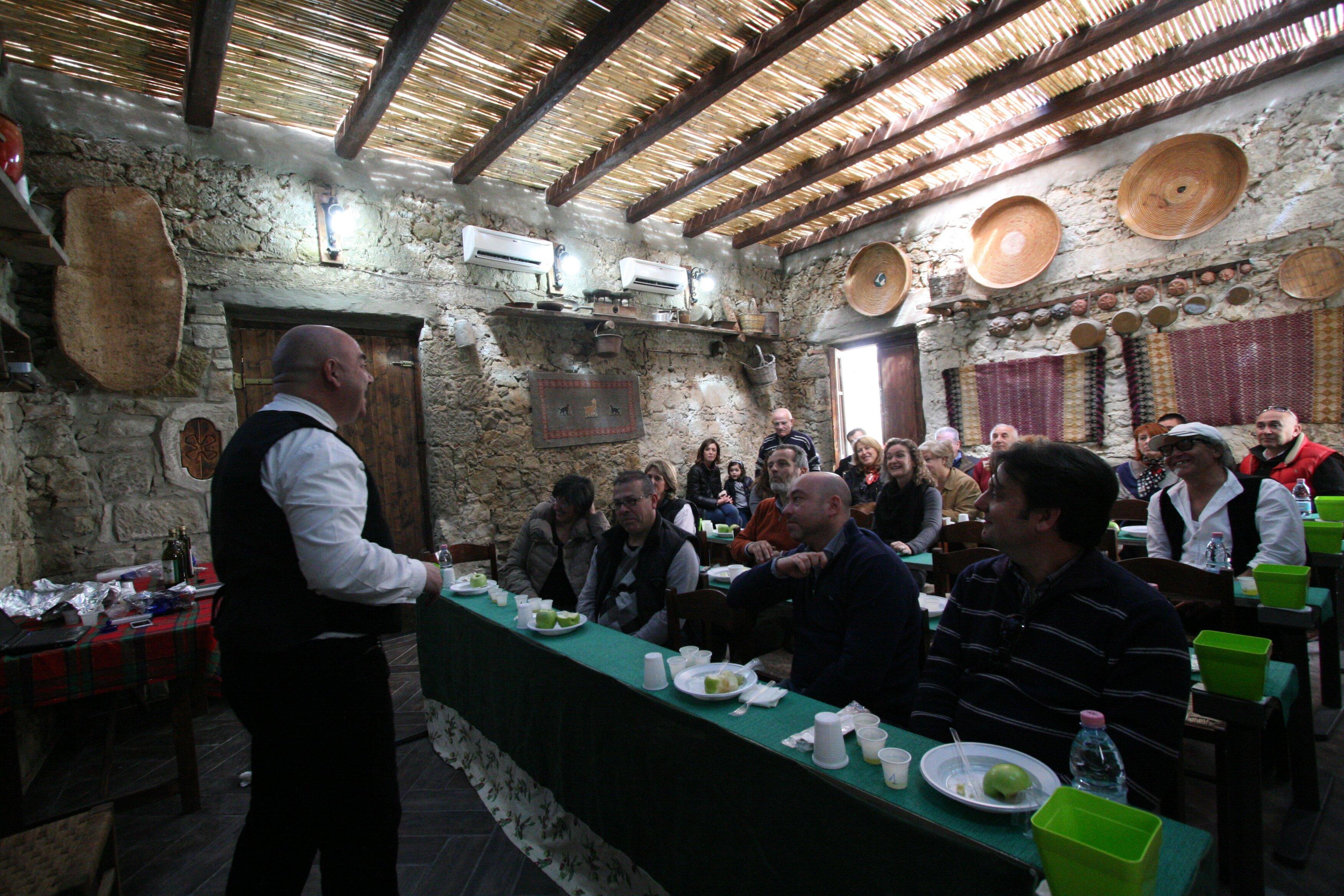 Sa mola de su notariu  Museo della tradizione olearia della Sardegna